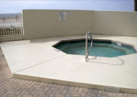 Lighthouse-Condo-Hot-Tub-Gulf-Shores-Alabama